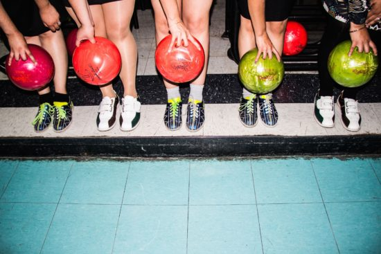 friends-bowling
